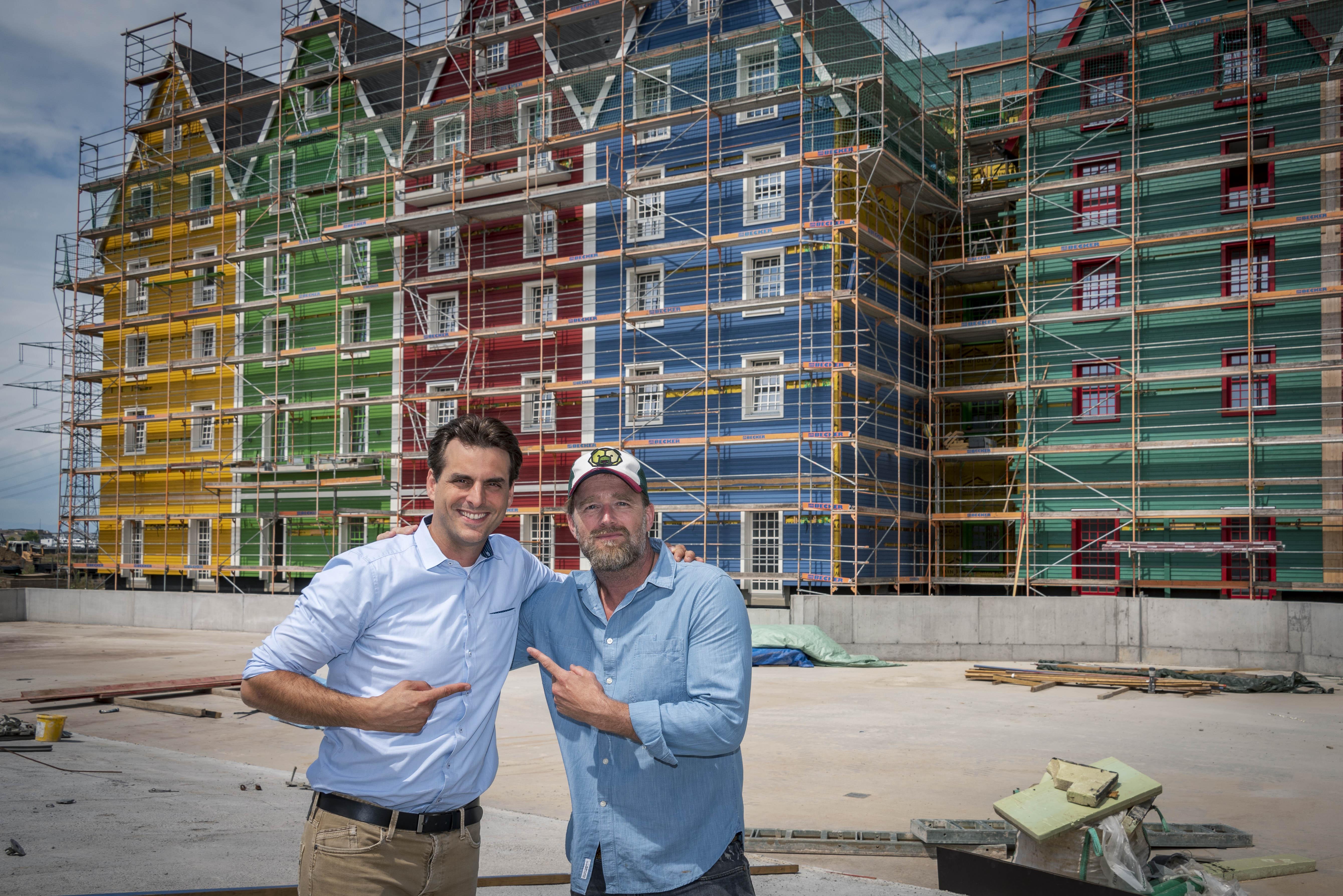 Er und er - Thomas Mack und Brian Bojsen vor der beeindruckenden Kulisse des Krønasår