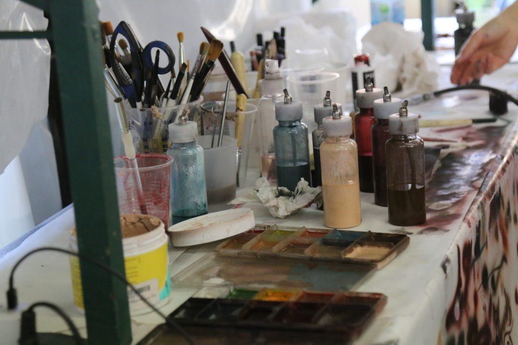 """Make-Up Artists können ihre Kreativität bei """"Horror Nights - Traumatica"""" voll ausleben"""