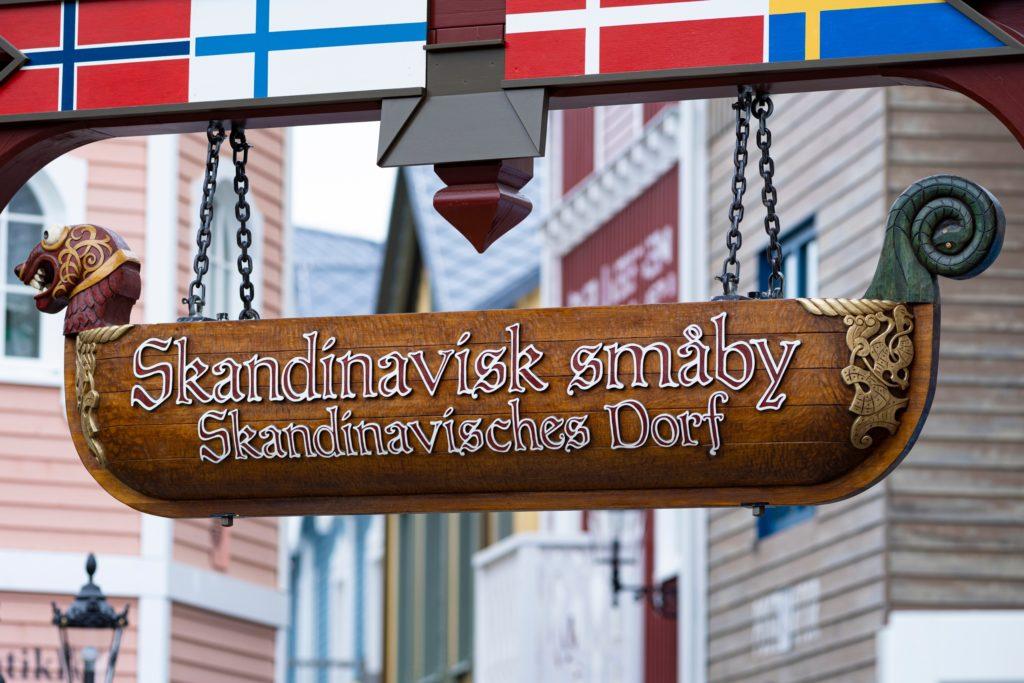 ...Sein Drachenkopf schmückt inzwischen das Portal des Skandinavischen Themenbereichs!