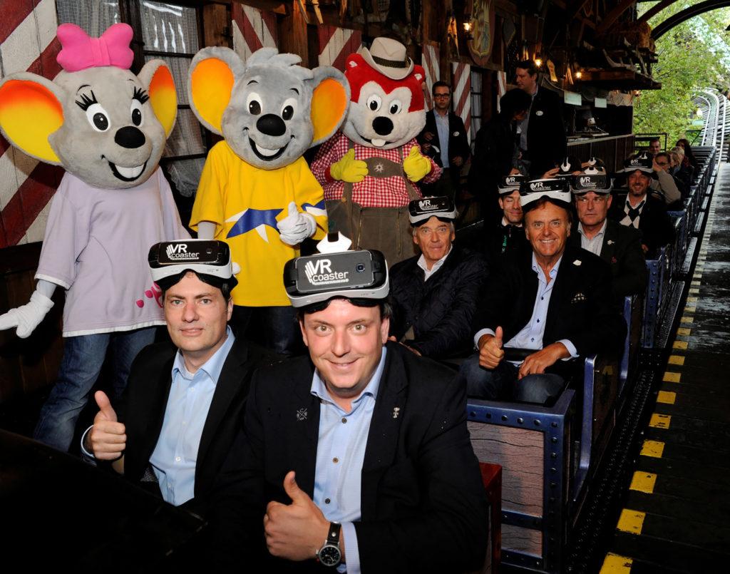 Thomas Wagner à l'inauguration de l'attraction VR Alpenexpress Coastiality en compagnie de Michael, Roland et Jürgen Mack.