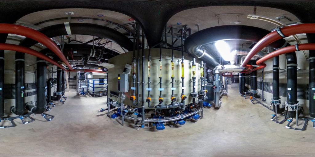 Würde man alle Kabel der unterirdischen Wasserzentrale ausrollen, käme man auf eine Gesamtlänge, die zweimal von Basel nach Frankfurt reicht.