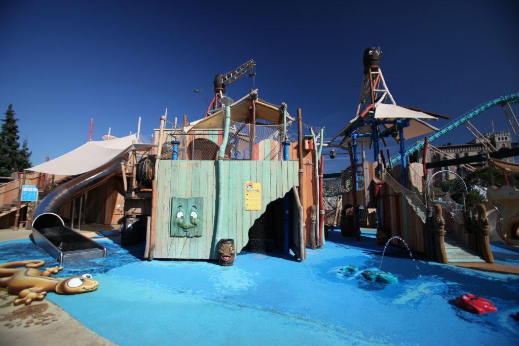 Lítill Island – Aire de jeux aquatiques Hansgrohe : l'endroit parfait pour se rafraîchir en été.