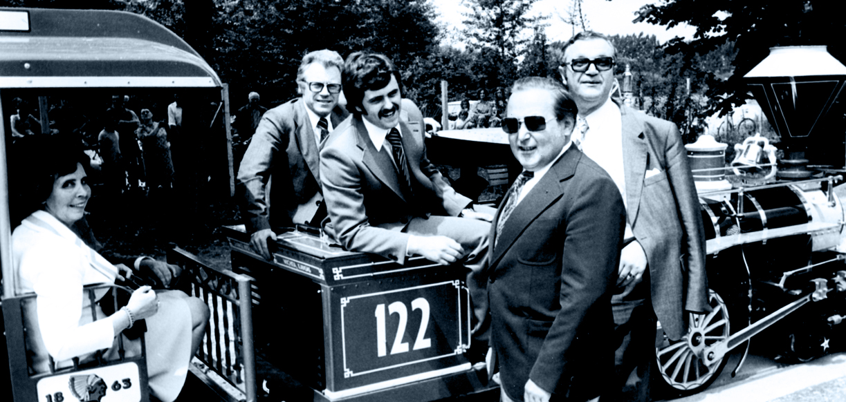 Die beiden Gründer des Europa-Park: Franz Mack und sein Sohn Roland Mack.