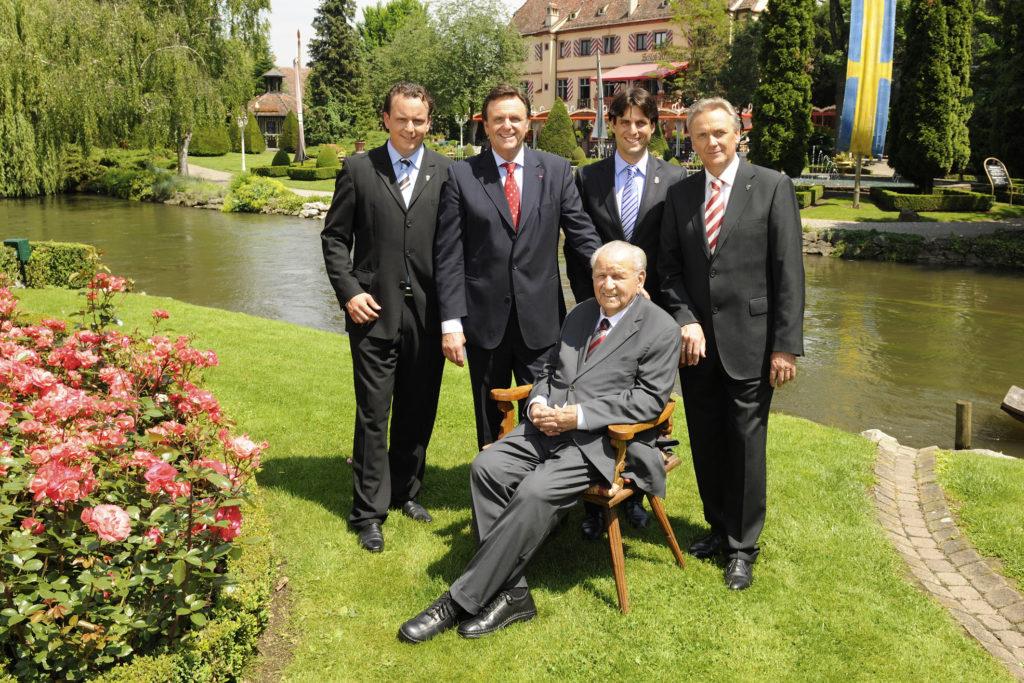 Franz Mack mit seinen Söhnen Roland und Jürgen Mack und seinen Enkeln Michael und Thomas Mack