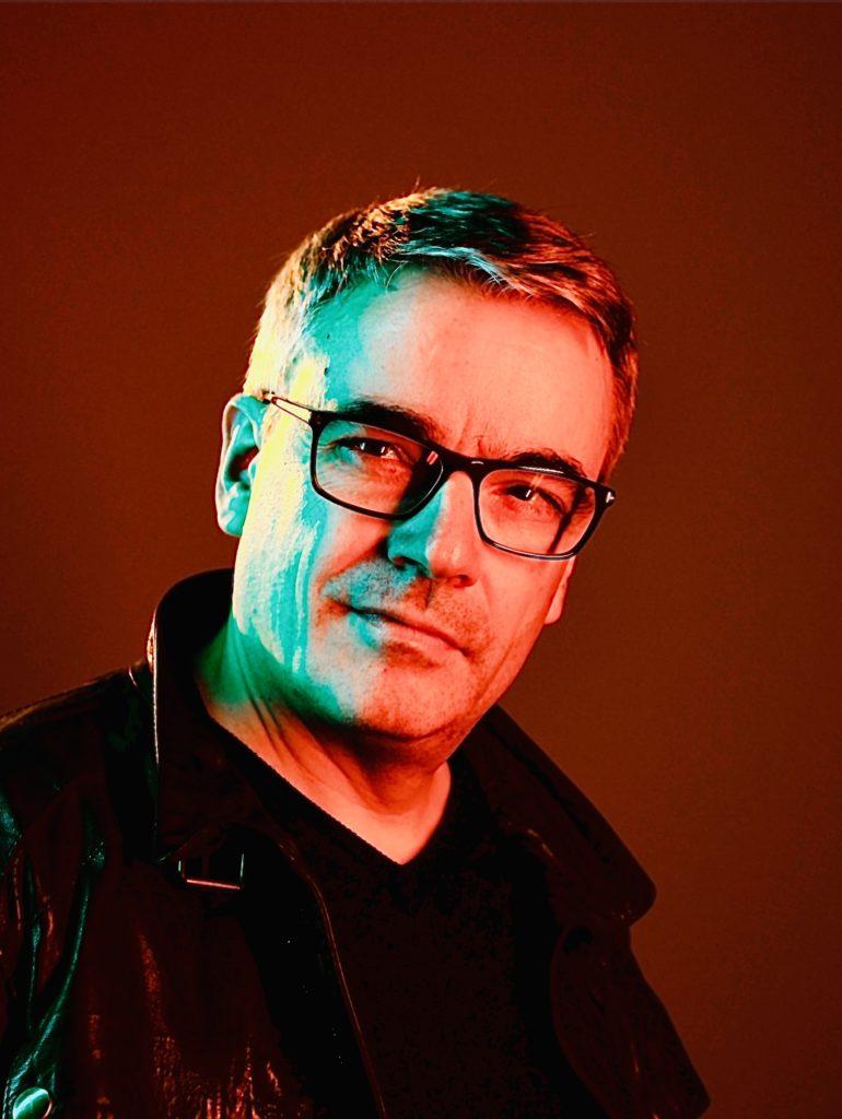 Sven Meyer, Autor und Produzent von ARTiality