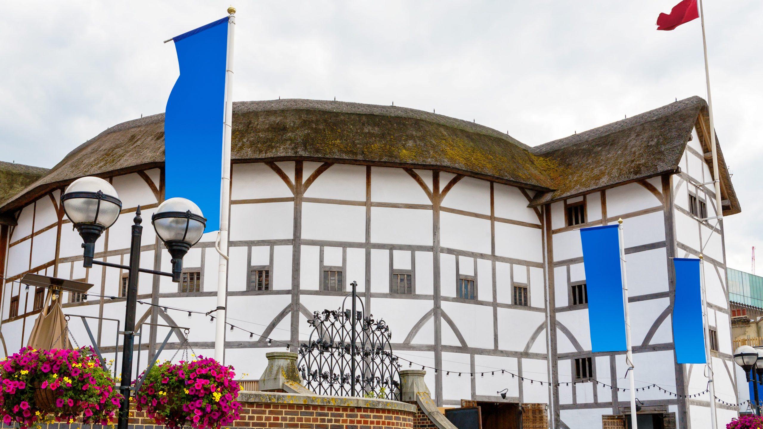 "Zum Vergleich: Das original ""Globe Theatre"" in London."